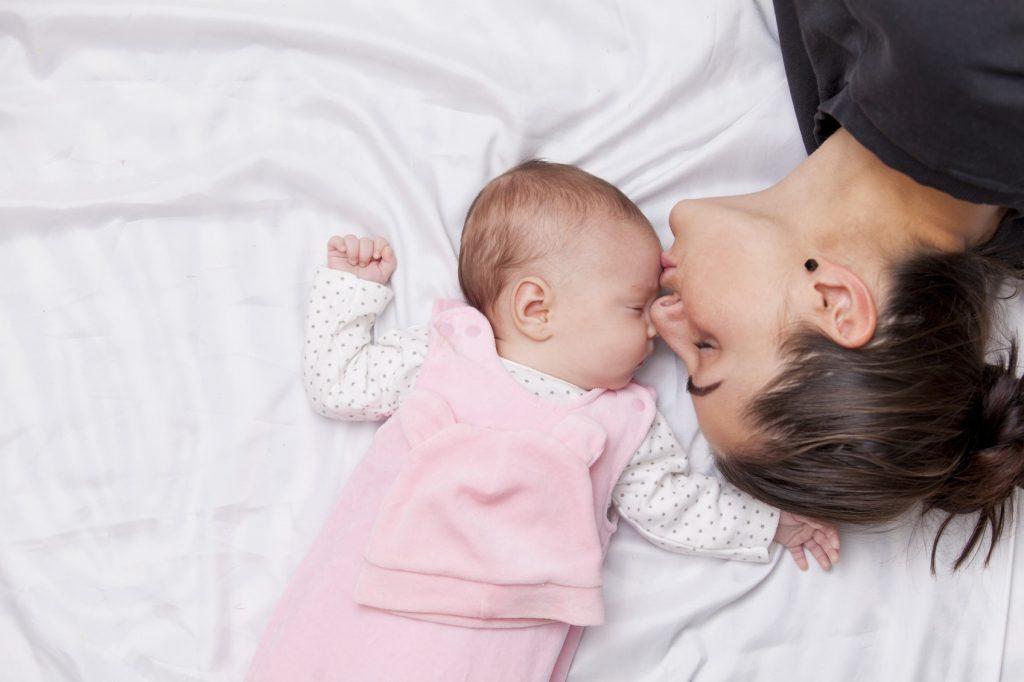 شیرخشک و شیر مادر چه تفاوتی با هم دارند؟