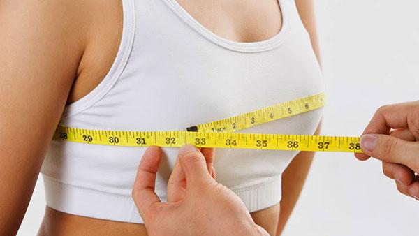 بزرگ بودن سینه ها چه عوارضی برای زنان دارد؟