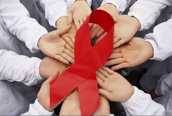 افراد مبتلا به ایدز چگونه زندگی می کنند