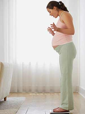 در بارداری چقدر وزن اضافه کنیم طبیعی است؟