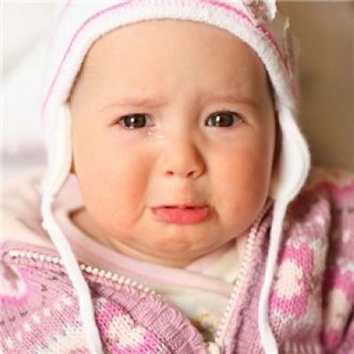 چرا نوزادمان زیاد گریه می کند؟