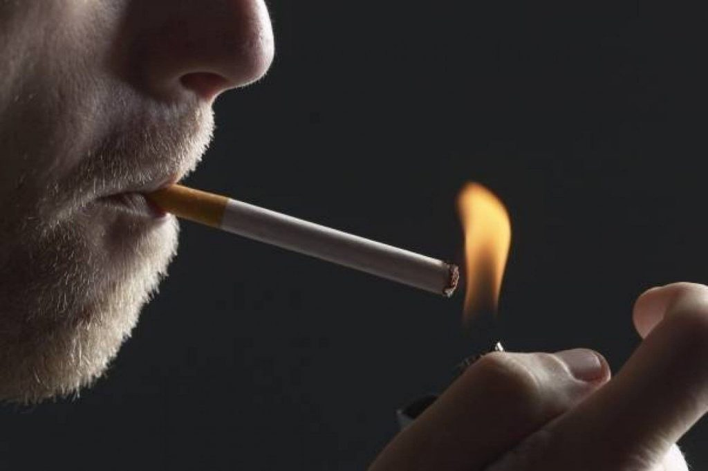 Photo of سیگار کشیدن احتمال ابتلا به سرطان مثانه را افزایش می دهد