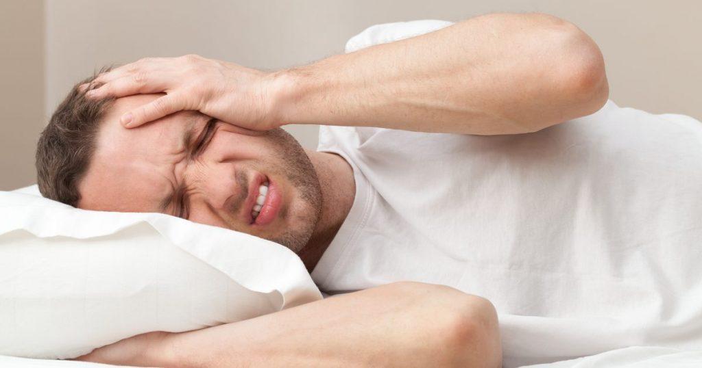 این علائم نشان میدهد که سردرد شما خطرناک است