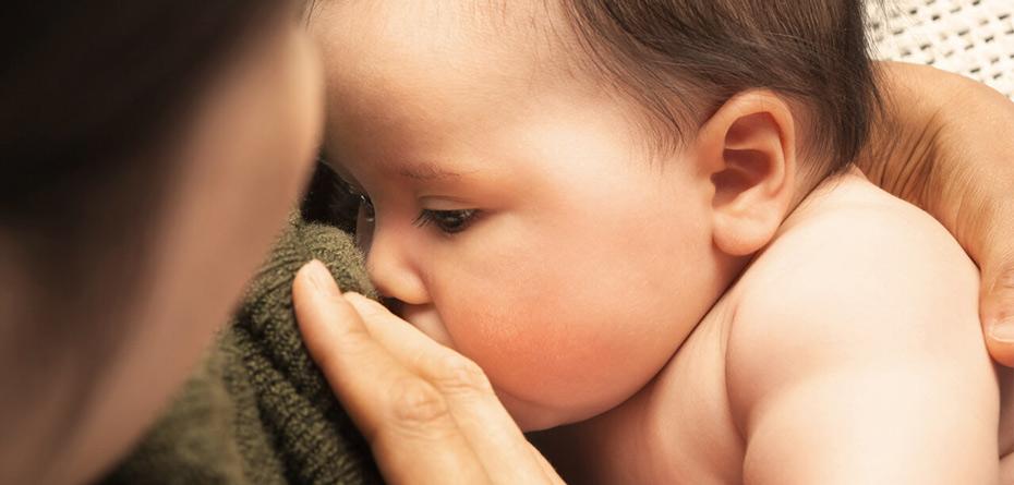 روش درست شیر دادن به نوزاد