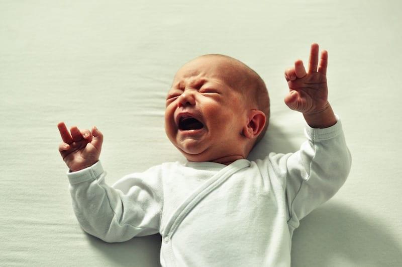 پیشگیری از کم آبی بدن نوزاد و درمان کم آبی