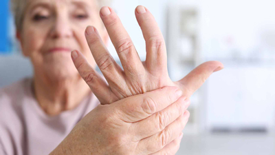 نشانه های بیماری را در دست ها تشخیص دهید