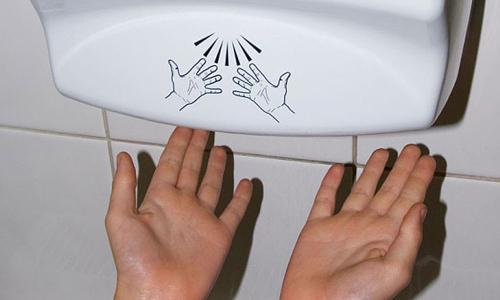Photo of دست خشک کن برقی مناسب نیست و میکروب ها را بیشتر می کند