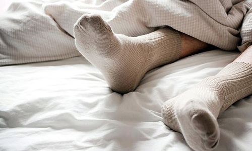 Photo of جوراب پوشیدن در خواب چه فایده ای دارد؟