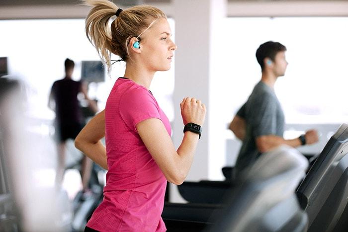 آیا گوش دادن به موسیقی هنگام ورزش کردن تاثیری دارد؟