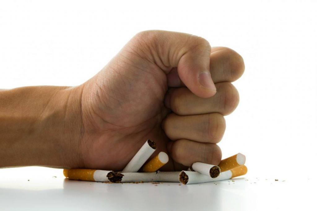 Photo of افراد سیگاری باید این غربالگری های مهم را انجام دهند