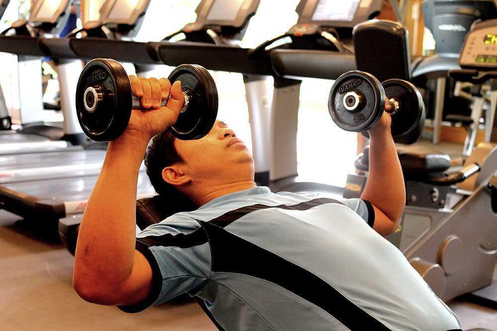 وزنه سبک تر بزنید تا بتوانید عضلات بیشتری بسازید