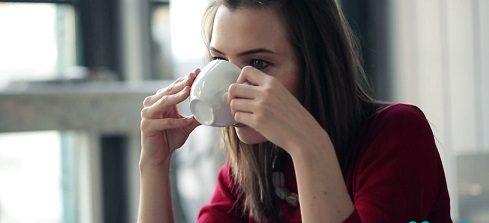 آیا خوردن قهوه در عصر می تواند روی خواب تاثیر بگذارد؟