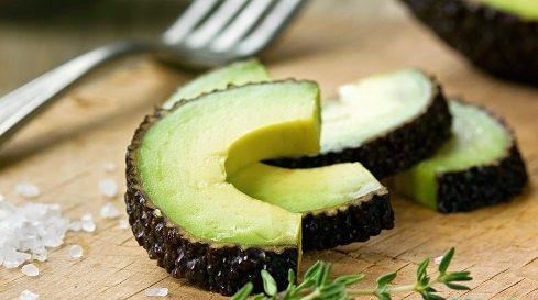 4 واقعیت شگفت انگیز در مورد آووکادو (میوه چربی سوز و سرشار از پروتئین)