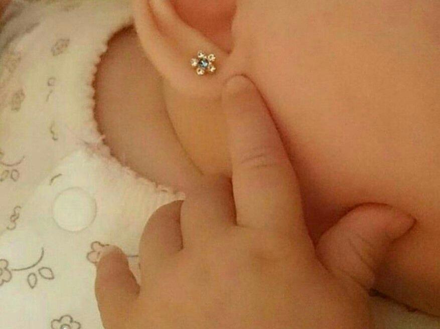 بهترین سن برای سوراخ کردن گوش دختران
