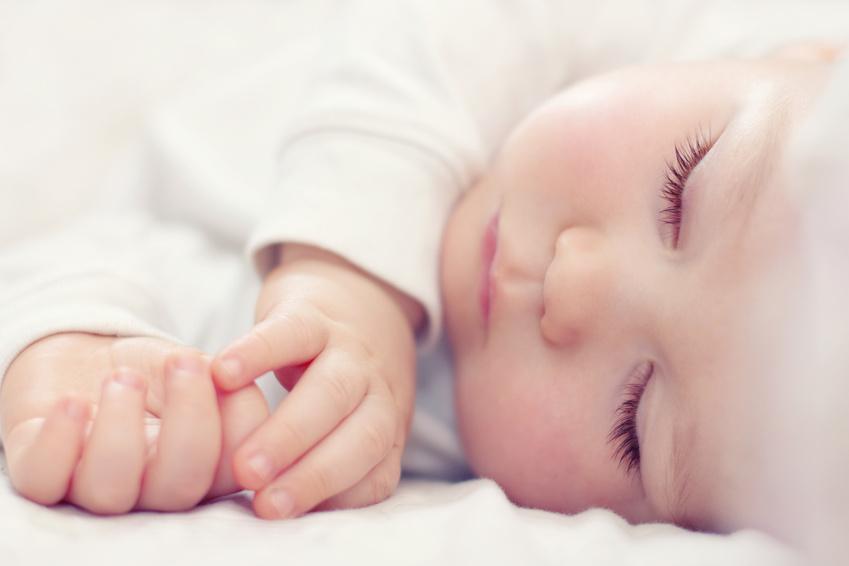 اگر کبودی های بی دلیل روی بدن نوزاد دیدید مراقب باشید!