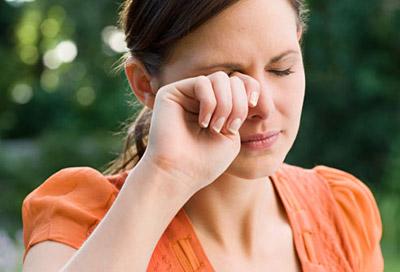 علائم و درمان بیماری تراخم چشم