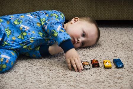 آشنایی با نشانه های اولیه اوتیسم