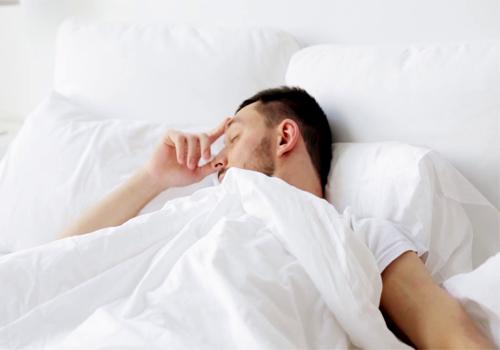 توصیه هایی برای خواب راحت افرادی که میگرن دارند
