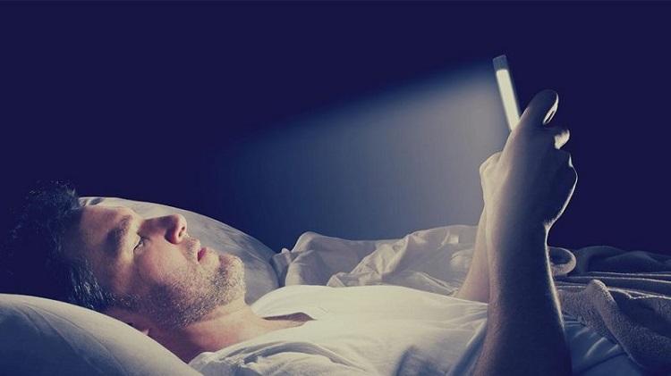 خیره شدن قبل از خواب به صفحه نمایش