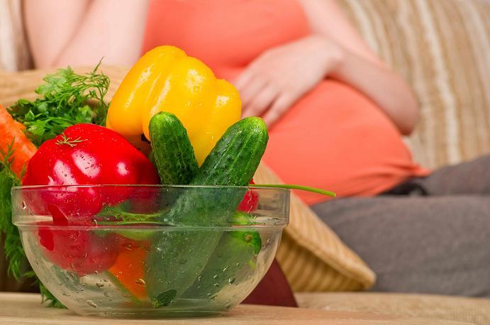 آیا رژیم گیاه خواری در دوران بارداری مضر است؟