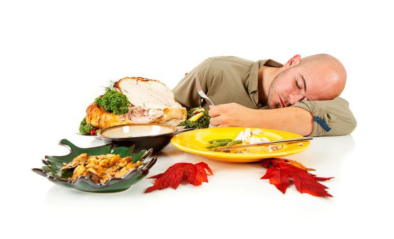 دلیل خستگی پس از غذا خوردن