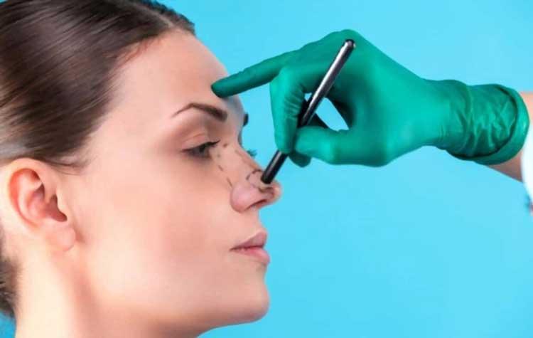 دریافت مشاوره عمل زیبایی بینی از پویا کلینیک